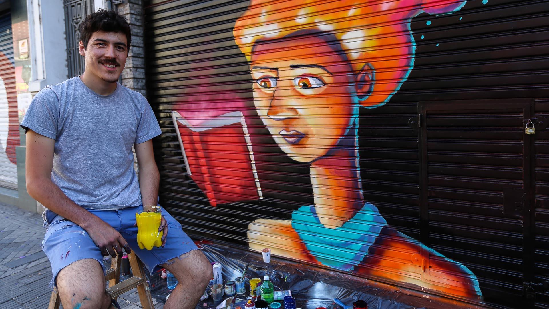 Más de 60 artistas expresaron su arte en las persianas y fachadas del centro