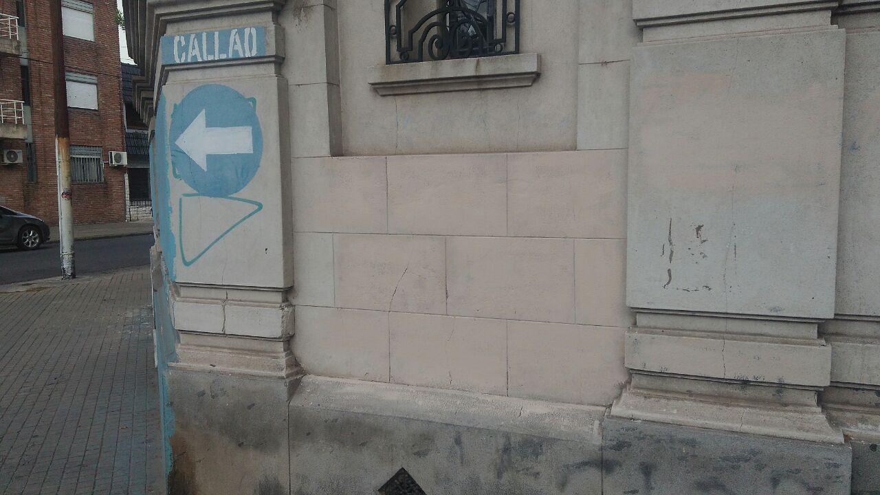 La esquina de Callao y Tucumán, ya sin el grafiti(Rosarioplus.com)