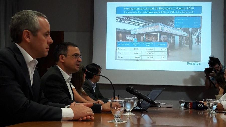 Asegurado presentó este lunes el proyecto que el Ejecutivo envía al Concejo.