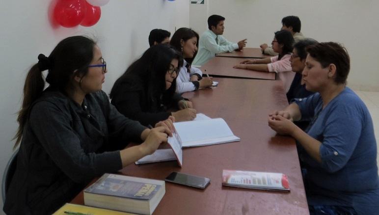 El asesoramiento lo brindan estudiantes y docentes de Derecho.