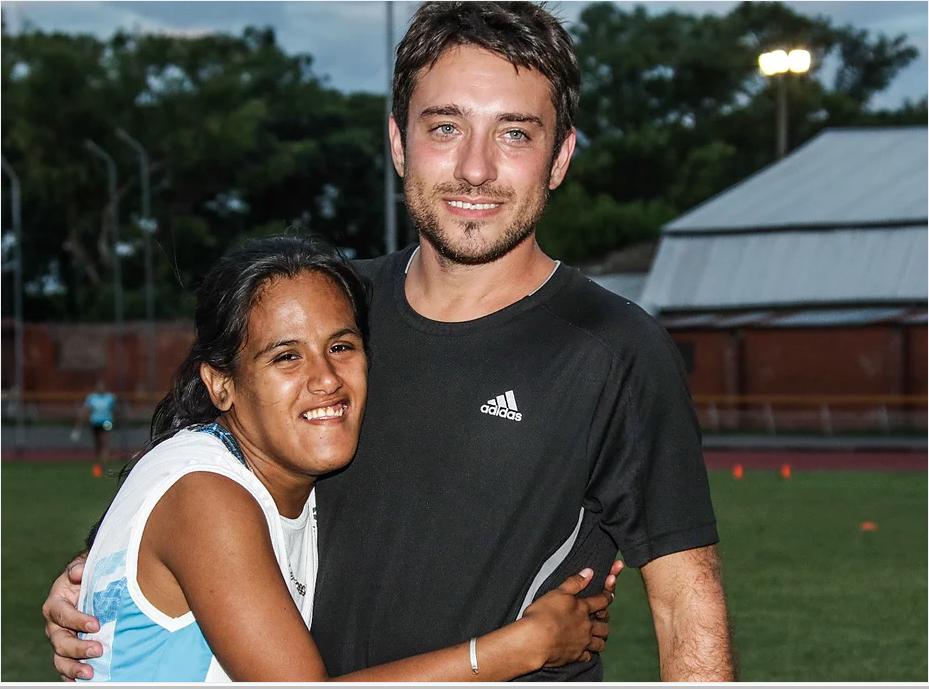 YaninaMartínez con su entrenador Martín Arroyo en su último entrenamiento en Ushuaia(Prensa Objetivo Tokio).