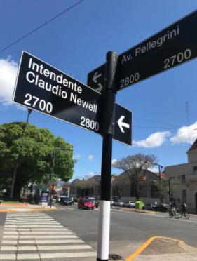 Así quedó señalizada la calle ClaudioNewell'seste viernes.