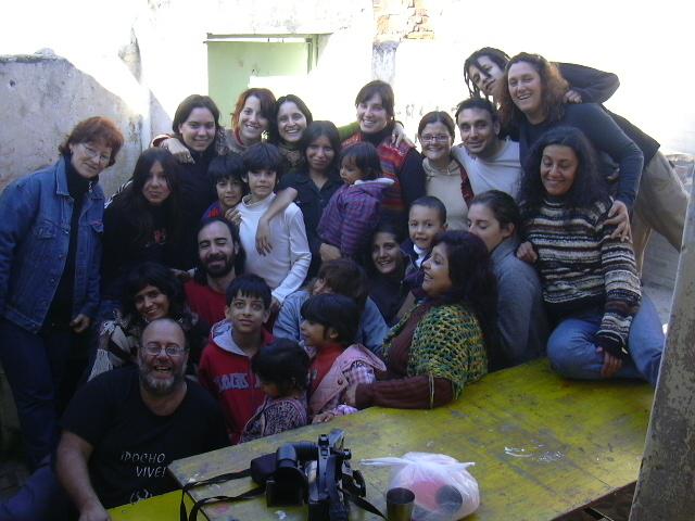 Los docentes y alumnos de los talleres en 2007.