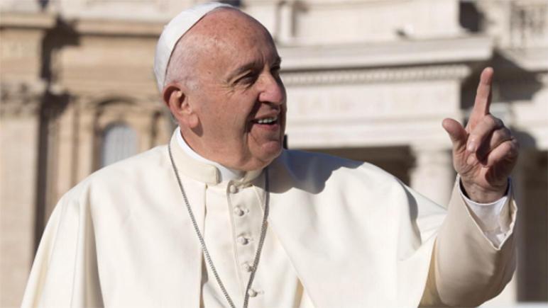 El Pontífice es seguido por más mujeres que hombres en las redes