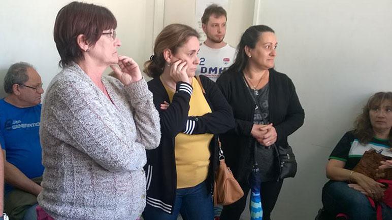 Los familiares y víctimas estuvieron acompañados por Prohibido Olvidar.