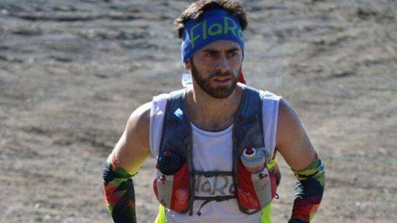 Román Villagra en plena carrera. Completó el recorrido en poco más de 34 horas.