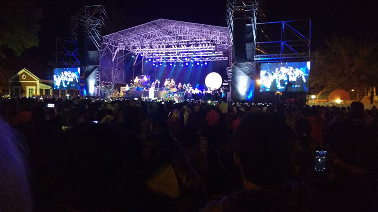 Un multitud acompañó a La Sole en Arequito.