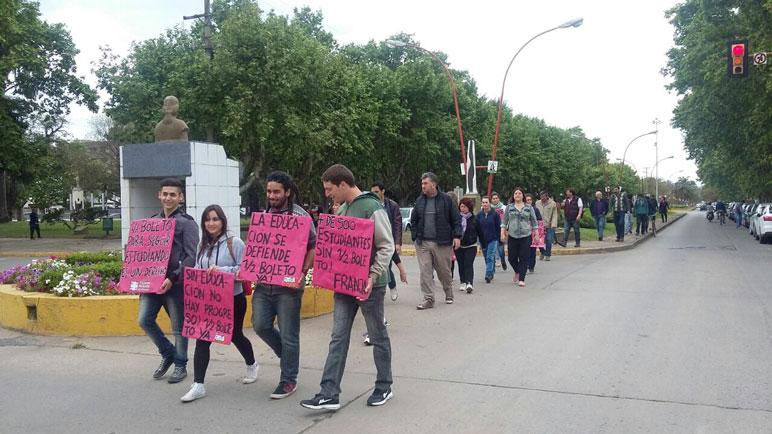 Los estudiantes quieren volver a acceder al medio boleto en Santa Fe.