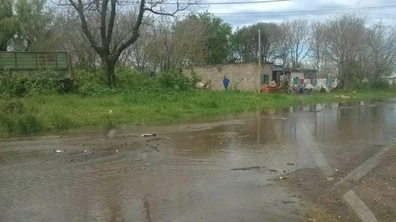 La dura realidad en los días de lluvia se sufre en Nueva Roma.