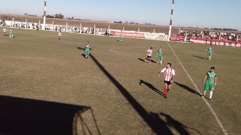 Postales del partido en la Villa Deportiva.