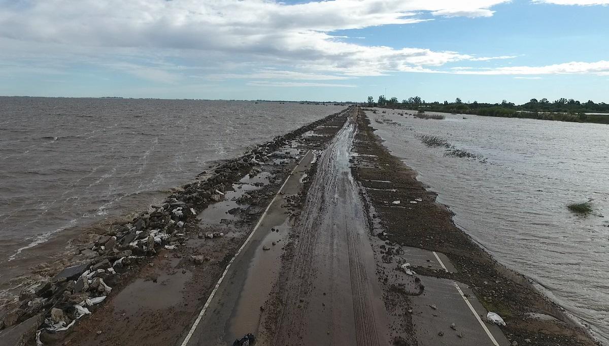 La ruta 90 fue la más afectada por el avance del agua.