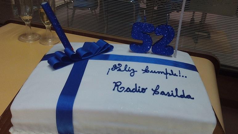 La torta para celebrar el 52 aniversario.