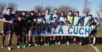El plantel de Atlético mostró una bandera en apoyo a Forconi.