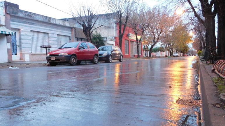 Las calles de Casilda lucen húmedas y resbaladizas.