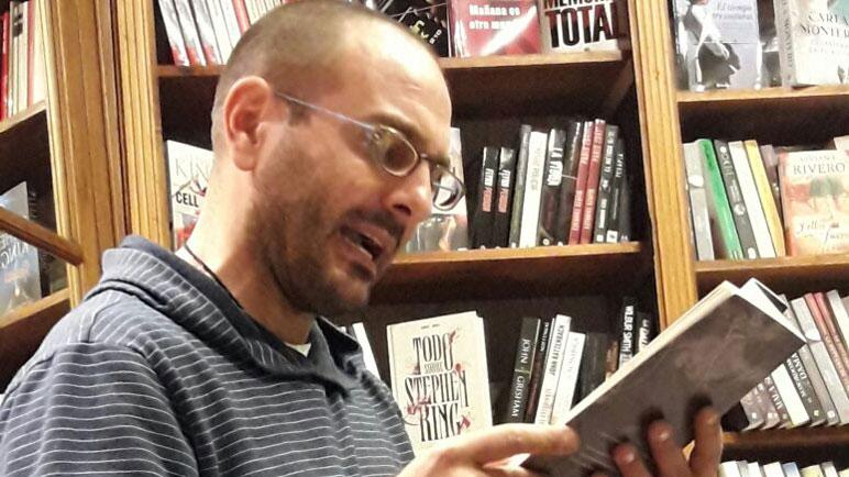 Kurt Lutman deslumbró otra vez en la presentación de su segundo libro.