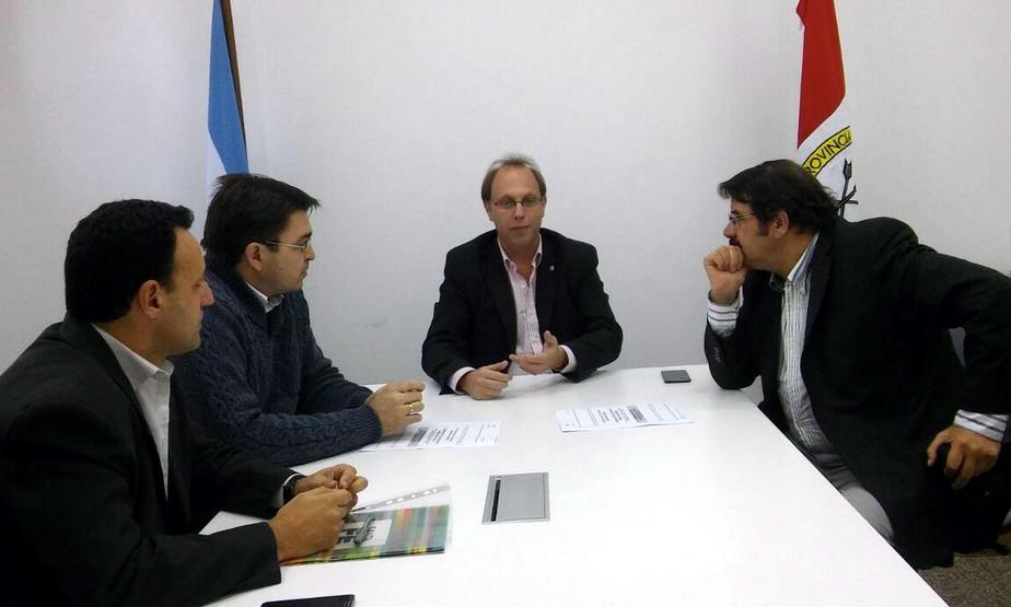 Sagliona encabezó la mesa en la reunión Sarasola y Rosconi.