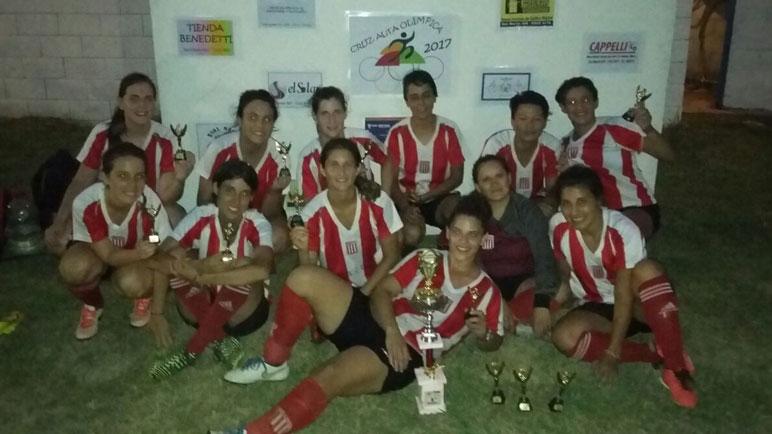 Las chicas de Alumni vienen de empatar en un partido polémico ante Huracán.