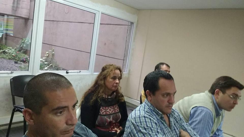 Las autoridades regionales en la reunión.
