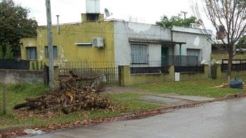 La basura y las ramas se acumulan en Nueva Roma B.