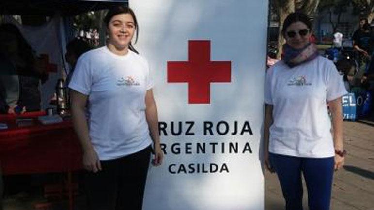 Los representantes de la Cruz Roja Casilda celebran el buen presente.