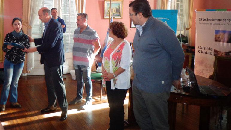El acto se desarrolló en el Salón Dorado de la Municipalidad.