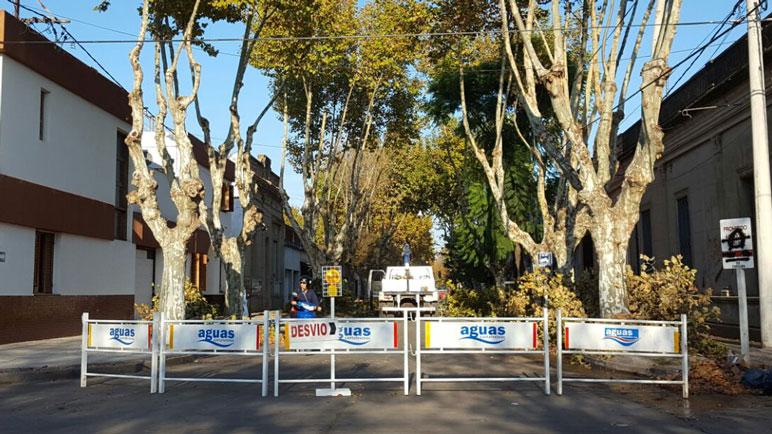 Aguas Provinciales corta el tránsito para realizar reparaciones.