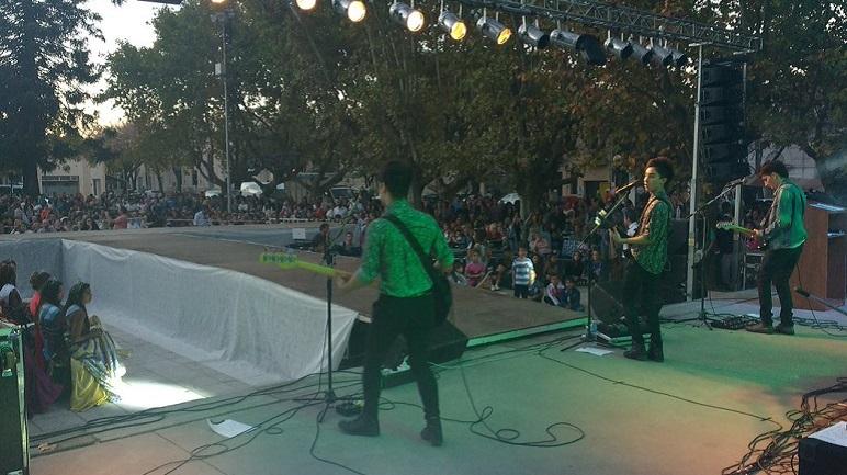 Joystick hizo rockear a la Plaza de Los Mástiles.