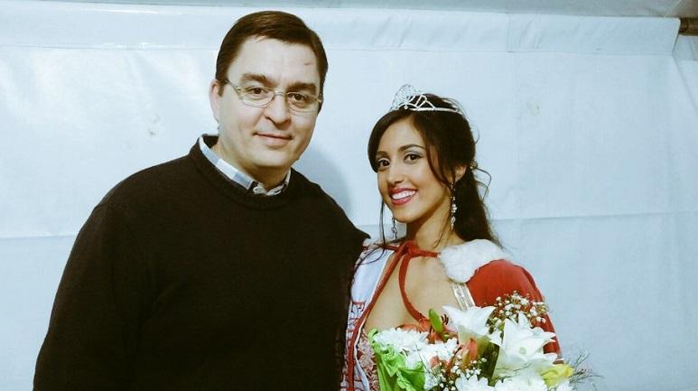 Juan José Sarasola, intendente de la ciudad, junto a la nueva Embajadora del Agricultor.