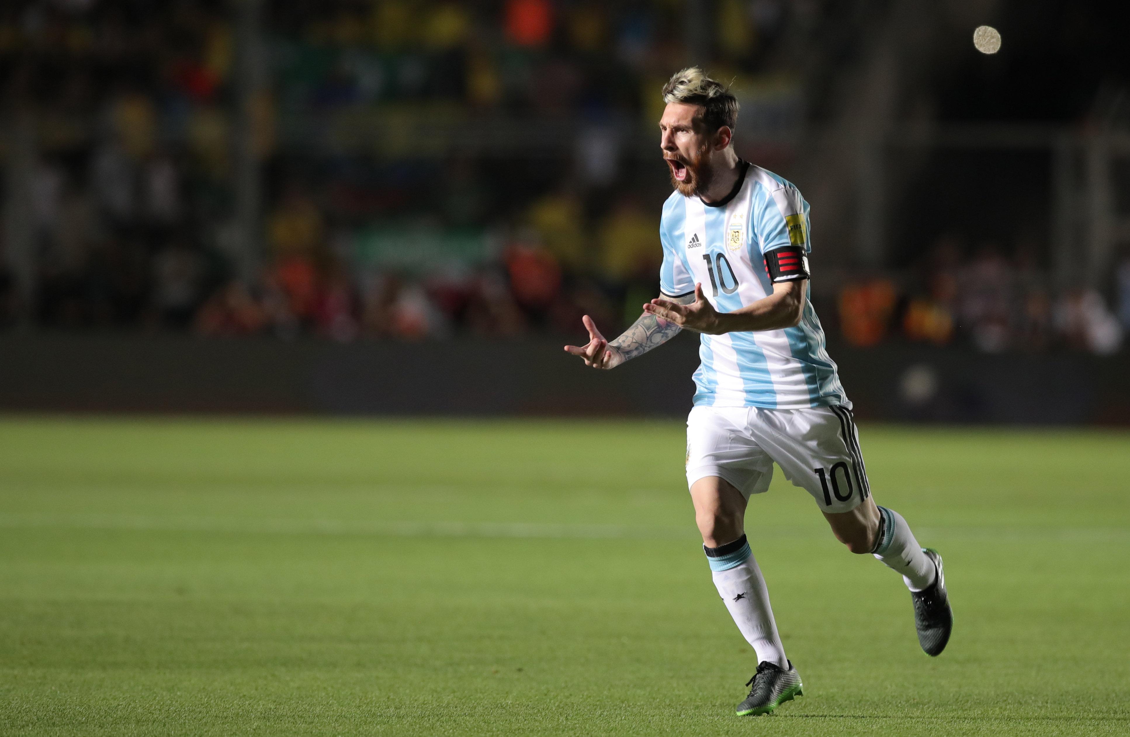 Argentina vuelve a creerde la mano de un Messi recargado (EFE)