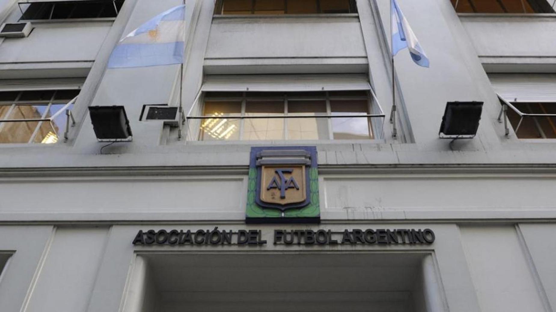 AFA quiere cobrar y el que no pague será castigado.