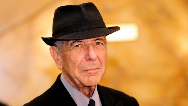 Judío, nacido en Canadá en 1934 y nacionalizado estadounidense.