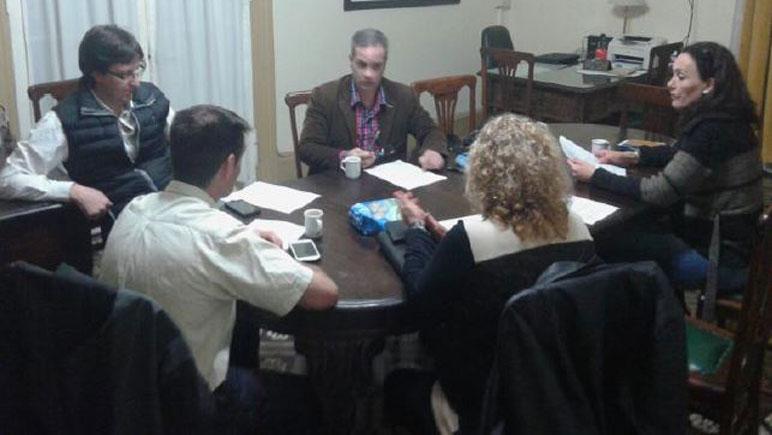 La reunión entre concejales y el juez Ardiani.
