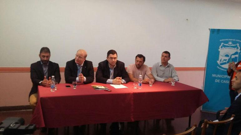 El ministro Luis Contigiani dice presente en el evento.