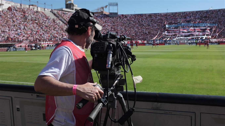 Turner y Fox se quieren quedar con la televisación del fútbol