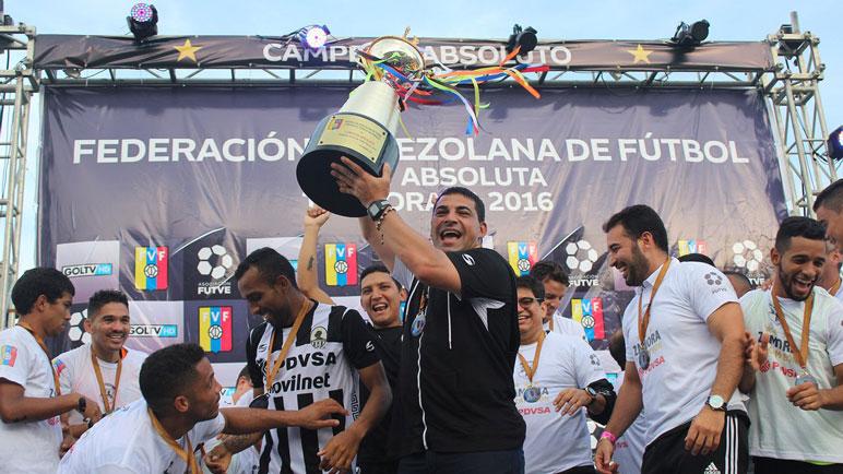 Zamora se consagró con el arequitense Masiero de PF.