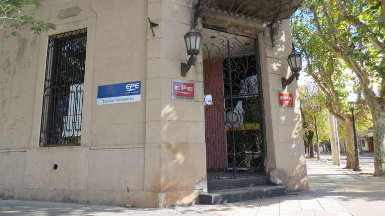 La sucursal EPE Casilda con puertas cerradas este martes.