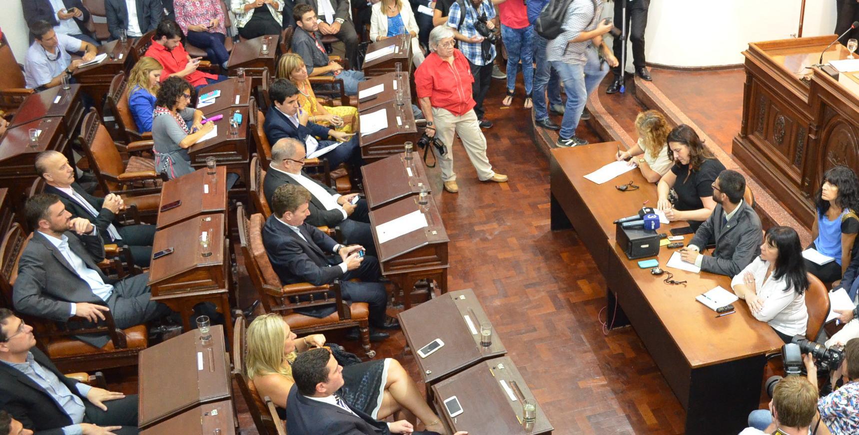 El año agoniza y el Presupuesto aún no llega al recinto parlamentario.