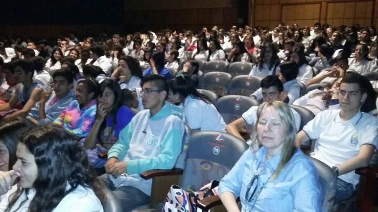 El Libertador, a sala llena en el estreno del corto.