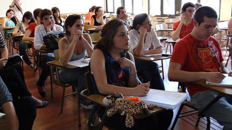 Mujeres al frente. Son mayoría en las facultades de la UNR (Foto: FacebookUNR)