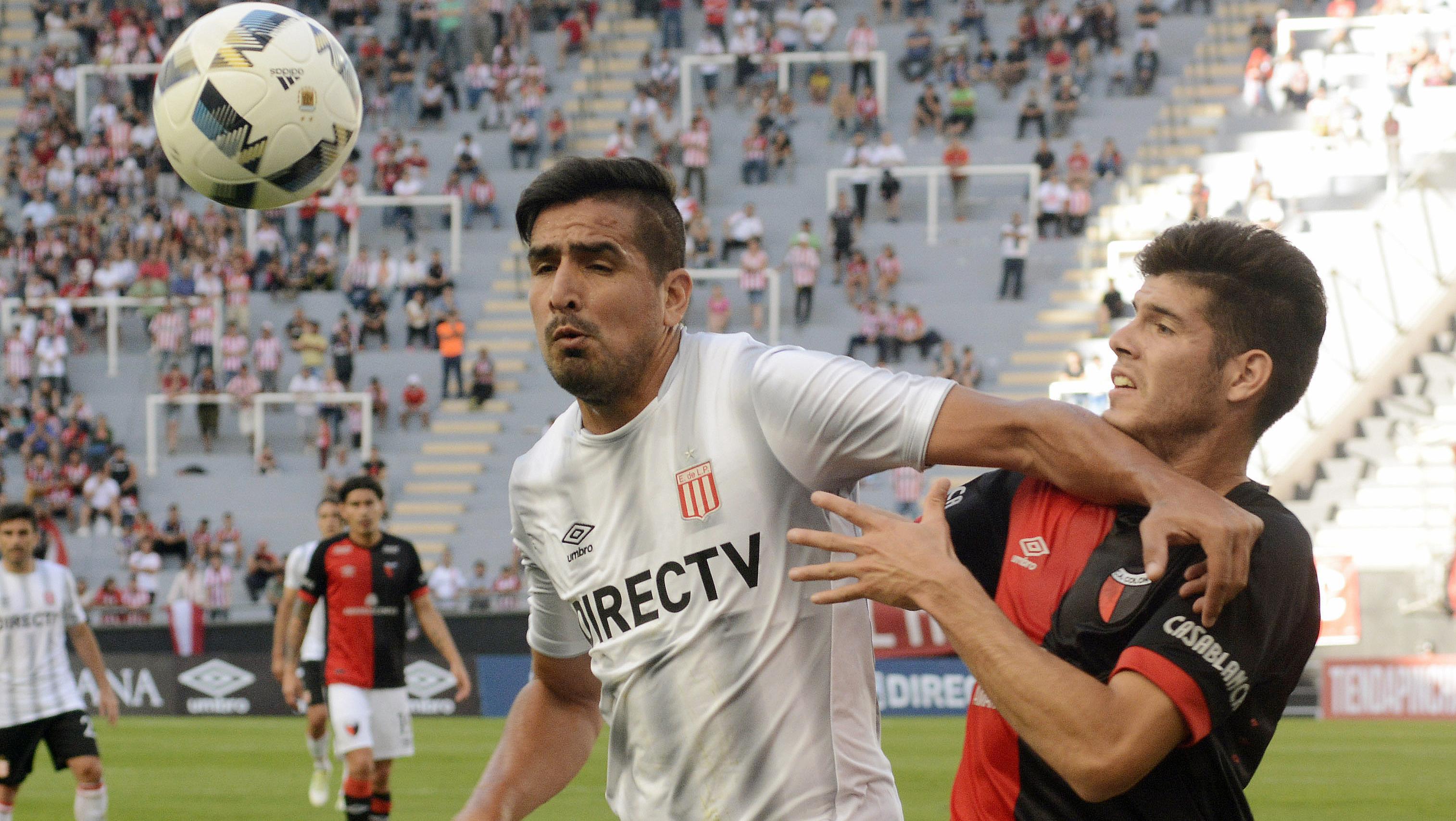 El único gol del encuentro lo anotó el ex Boca, Lucas Viatri. (Foto: Télam)