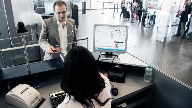 ¿Será? Para 2020, Europa exigiría visa de ingreso a los extra comunitarios (Télam)