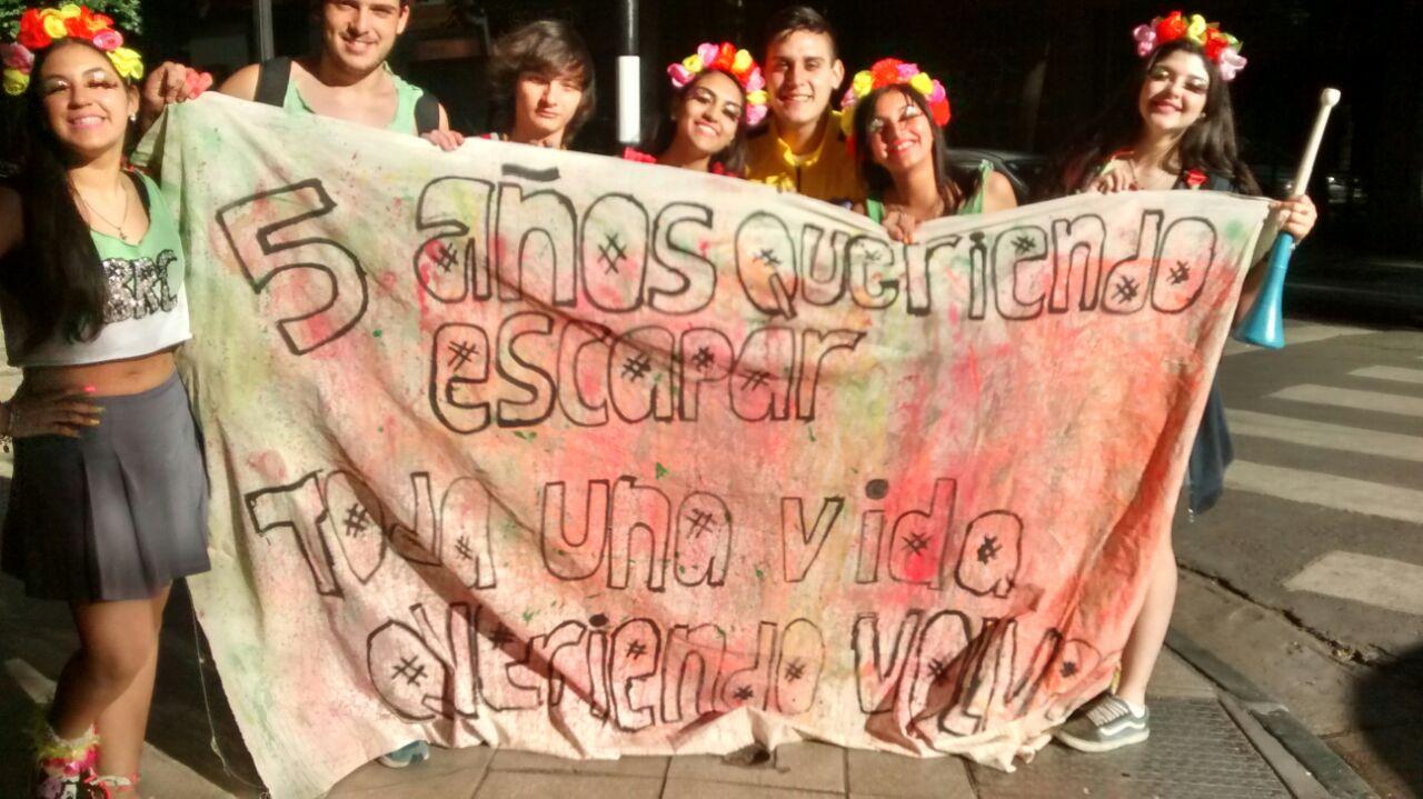 Alumnos del San Jorge en pleno festejo (Rosarioplus)