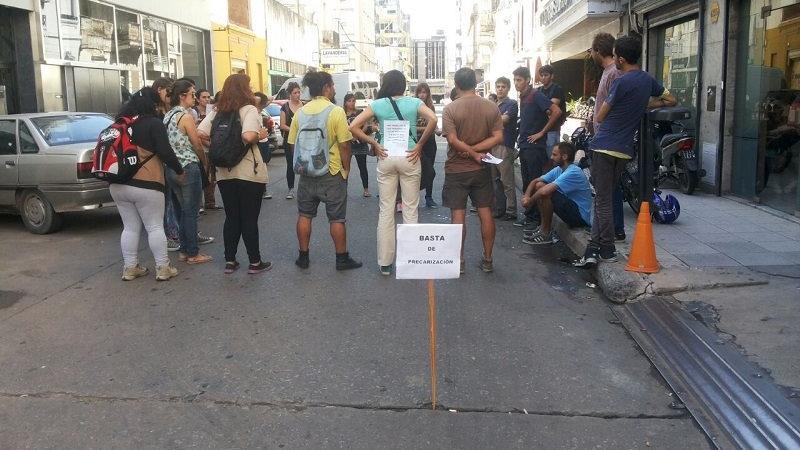 Los trabajadores vienen denunciando precarización laboral en la Dirección Provincial de Niñez