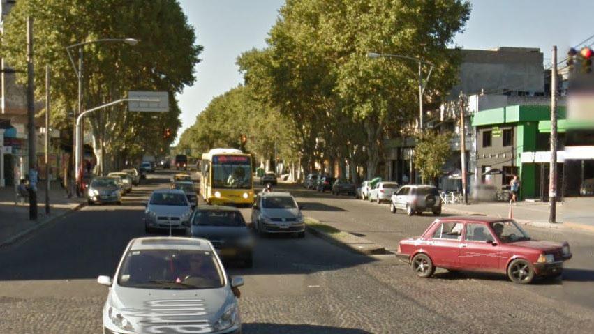 Robos y arrebatos permanentes en avenida San Martín