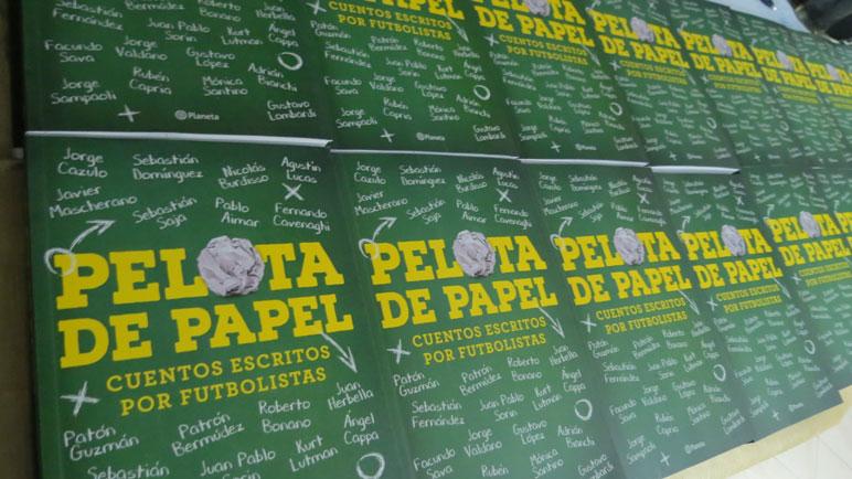 Las mejores postales de Pelota de Papel en el club Alumni.