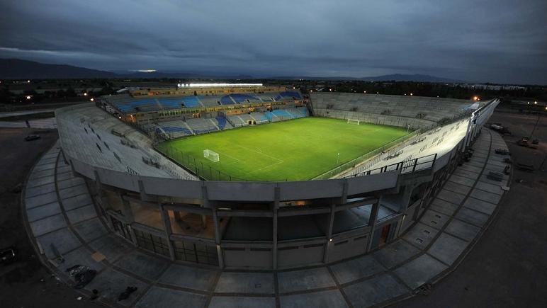 El nuevo estadio de la provincia cuyana. Argentina ganó siempre en esas tierras.
