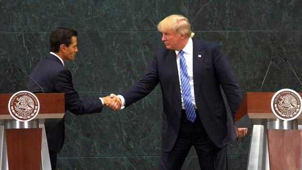 Trump visitó al presidente mexicano Peña Nieto y dejó polémica al asegurar que México pagaría el muro fronterizo (EFE)