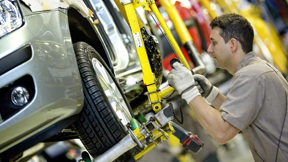 Las automotrices no escapan a un contexto negativo en la economía
