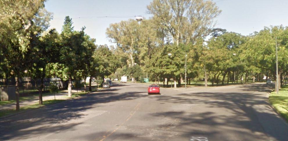 La calle Newell debería estar en el Parque Independencia (StreetView)