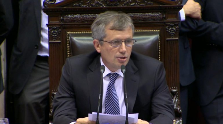 Emilio Monzó dio de baja al aumento